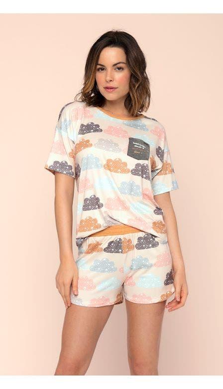 Pijama Curto Nas Nuvens
